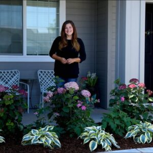 Planting a Front Garden Bed for a Friend! 🌿 🌸 // Garden Answer