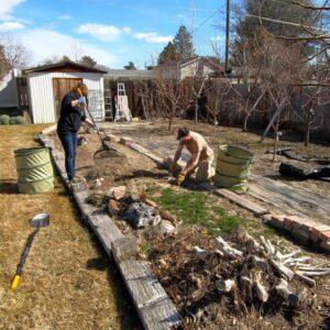 Garden Cleanup at my Grandparent's House! 🌿💚�// Garden Answer