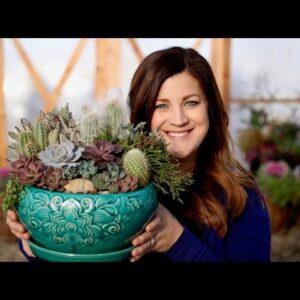 How I Make a Succulent Arrangement! 🌵😊 // Garden Answer