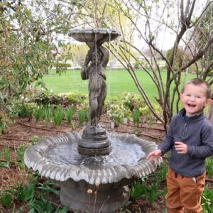 Setting Up a New Fountain! ⛲�💦💙 // Garden Answer