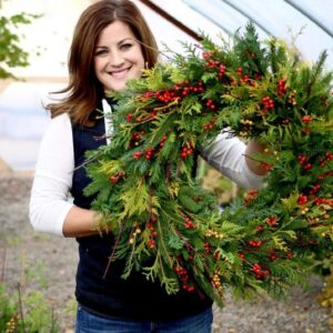 Make Your Own Christmas Wreath This Holiday!