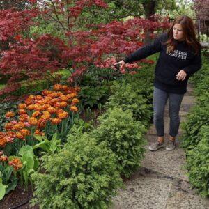 Tour of My Parent's Garden May 2020! 🌿🥰// Garden Answer