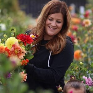 Making a Bright & Bold Arrangement from the Cut Flower Garden! ✂️💐❤️ // Garden Answer