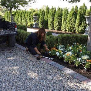 Fall Flowers & Pumpkins in the West Side Formal Garden! 🎃🧡🌼 // Garden Answer