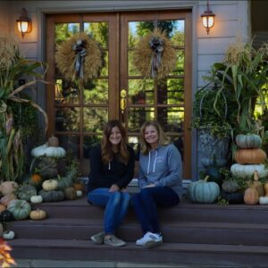 Decorating My Parent's Front Porch for Fall! 🍁🎃🍂 // Garden Answer